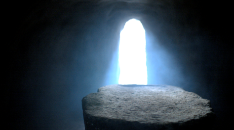 Light in empty tomb